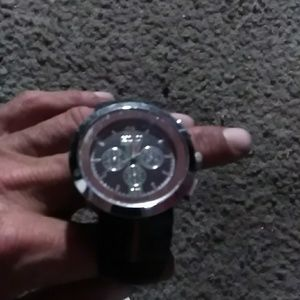 ee67141c4b0 Gucci Accessories - Mens Gucci Pantcaon 1142 watch